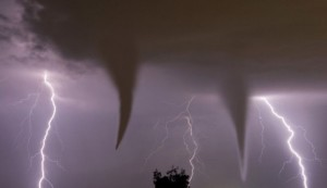 tornado-swarms1-e1413513492877-665x385
