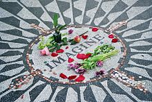 220px-Strawberry_Fields_Forever (1)
