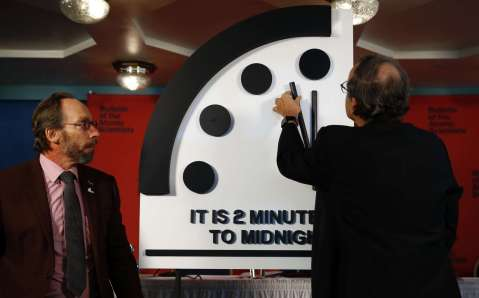 doomsday-clock-ap-jrl-180125